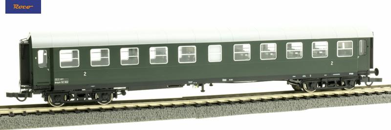 Roco 74446 gyorsvonati személykocsi Spantenwagen, 2.o. B4ipüh, ÖBB III