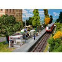 Faller 120240 Modern vasúti váró, tartozékokkal