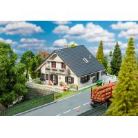 FALLER 130640 Felújított családi ház