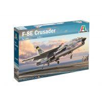 Italeri 1456 F-8E Crusader vadászrepülőgép