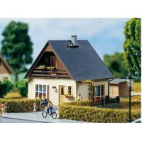 Auhagen 11378 Családi ház (Gabi)