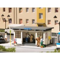 Auhagen 11419 Buszmegálló váróval