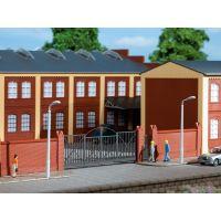 Auhagen 41622 Téglakerítés vaskapuval