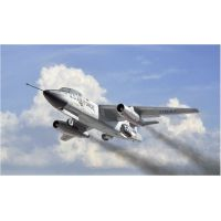 Italeri 1375 RB-66B DESTROYER
