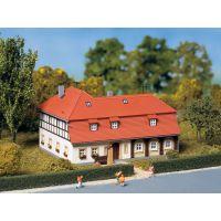 Auhagen 13305 Lakóház, favázas