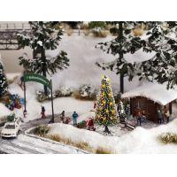 Noch 11912 Karácsonyfa, világítással, Mikulás-figurával