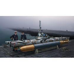 Italeri 5609 U-Boot Biber tengeralattjáró