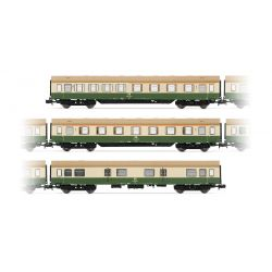 "Arnold HN4243 3db set ""Modernisierungswagen"" DR, with side skirts, livery green-ivory (1.-1./2.-lug)"