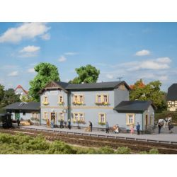 Auhagen 11329 Radeburg állomás