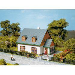 Auhagen 13300 Családi ház, Hanna