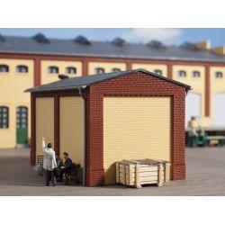 Auhagen 80412 Sarokelemek és oromzat kisebb gyárépülethez, vörös