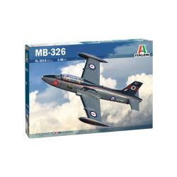 Italeri 2814 MB-326 vadászrepülőgép makett