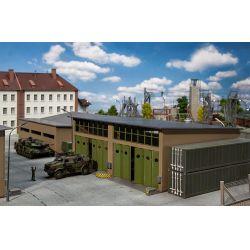 Faller 144106 Katonai járműhangár, javítóműhely