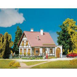Faller 130215 Favázas családi ház, garázzsal