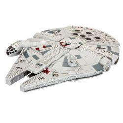Revell 06765 Star Wars Millennium Falcon, hang- és fényeffekttel, összepattintós