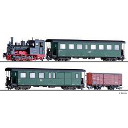 Tillig 01172 Zugset DR, Gőzmozdony BR 99.57, einem Personenwagen KB4i, einem paklikocsi KBD4i und einem gedeckten Güterwagen Gw, Ep. III