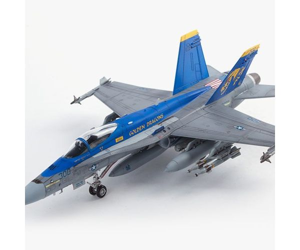 Academy 12564 USN F/A-18C VFA-192 Golden Dragons 1:72