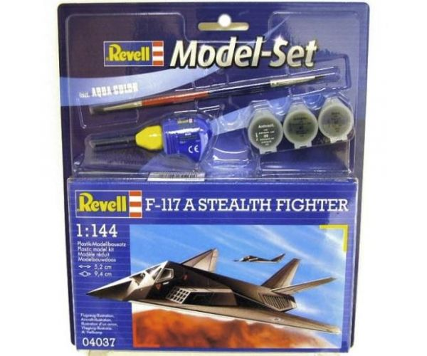 Revell 64037 F-117A Stealth set 1:144