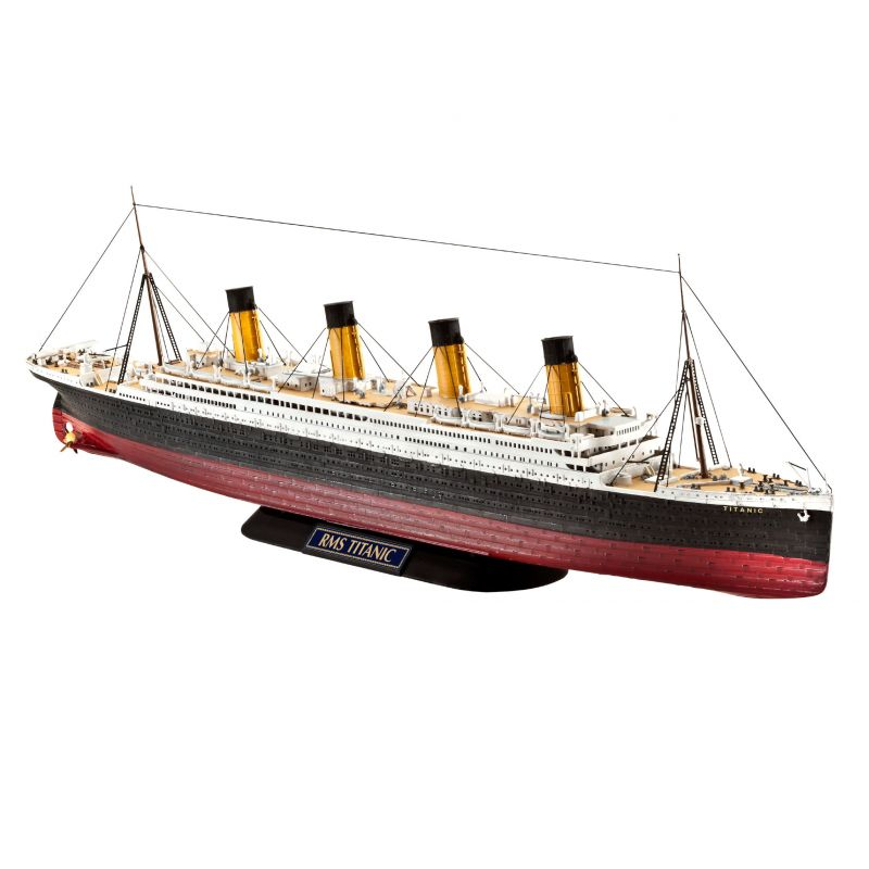 05210 REVELL RMS Titanic 1/700