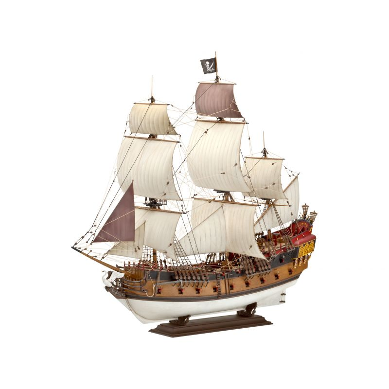 05605 REVELL Pirate Ship 1/72