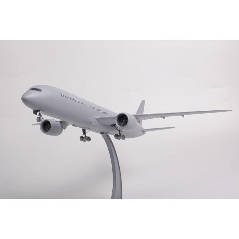 7021 ZVEZDA Boeing 787-9 Dreamliner 1/144