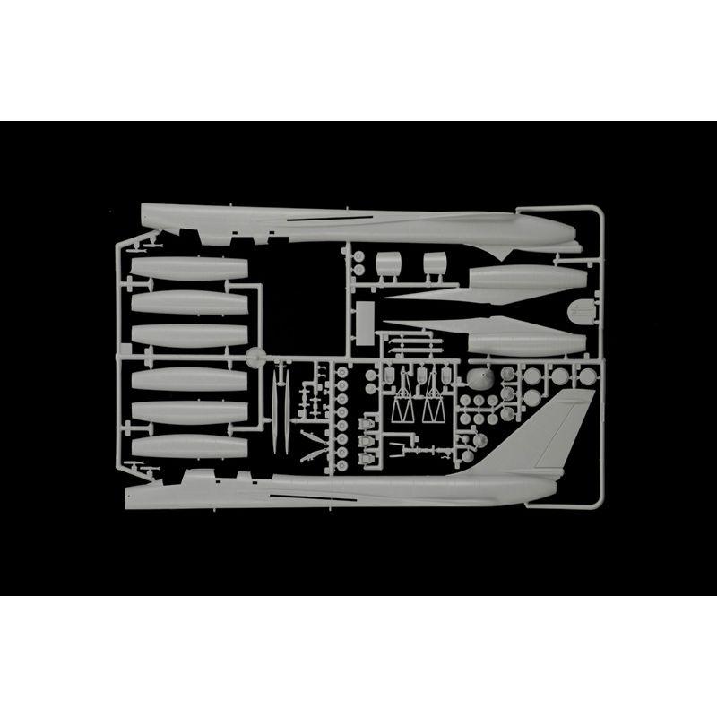 1142S ITALERI B-58 Hustler repülő 1/72