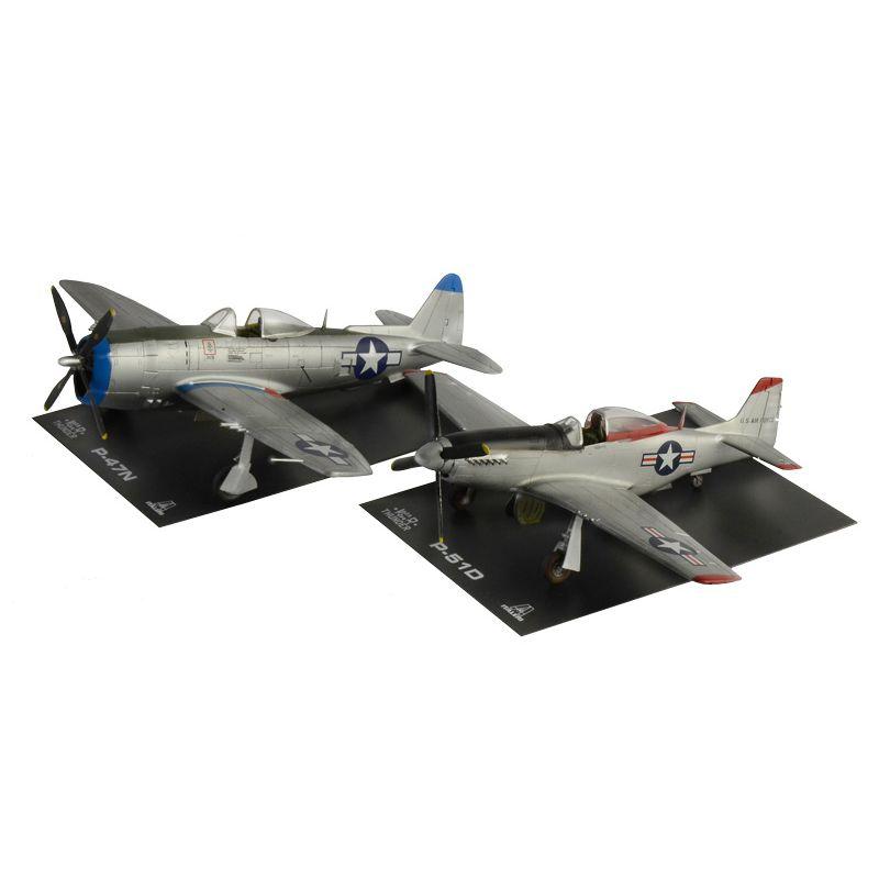 35102 ITALERI P47N és P51D Repülő, 1/72