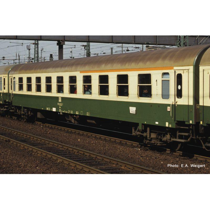 Roco 74801 Gyorsvonati kocsi 1/2.o. ABme, DR IV