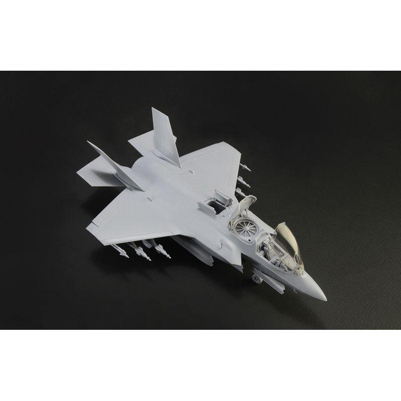 Italeri 1425S F-35B Lightning II